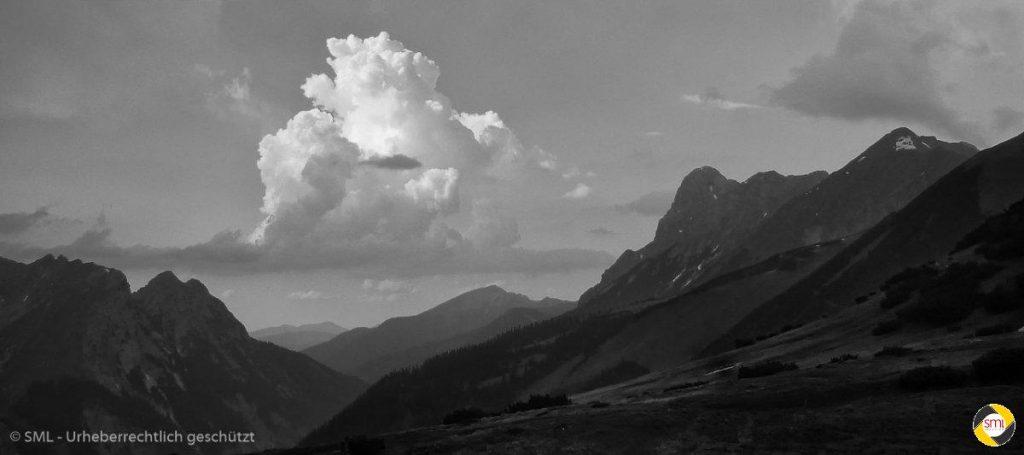 Blick ins Johannestal, Karwendel © Wilfried Sperling - 3. Platz Papierbild Schwarzweiß 2016